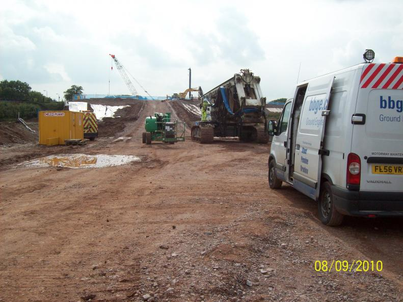 North Abutment - Piling rig and crawler crane arrive on site.