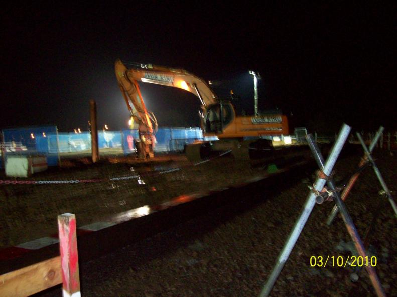 Possession No 4  - Ivor King Movax rig removing the back face sheet piles.