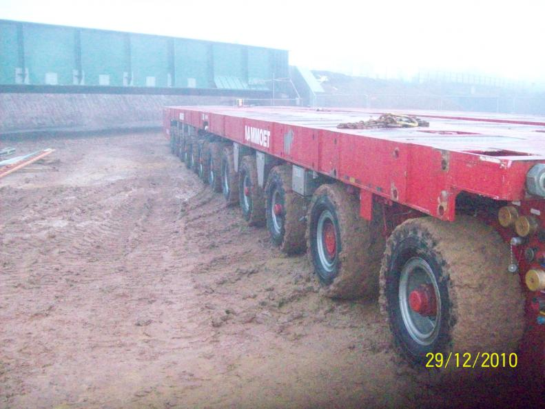 Mammoet clearing site - serious mud problems.