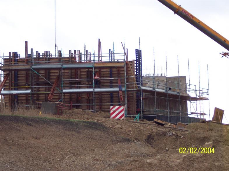 Work progressing on the wingwalls on the East abutment.