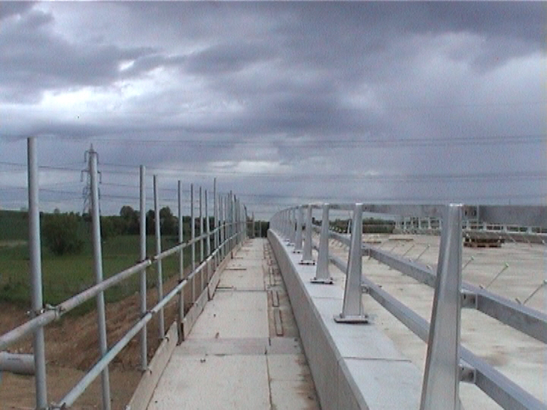 N2 parapets set in position edge protection given by the multiforms.