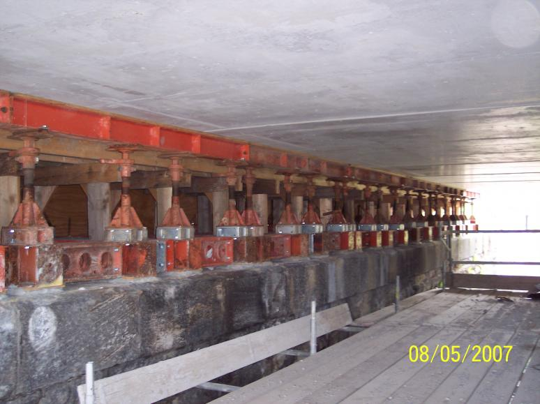Concrete units sat on the temporary RMD supports.