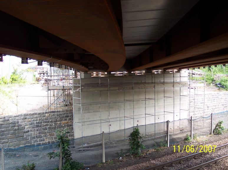 Scaffold infront of the abutment with Hook Bolts