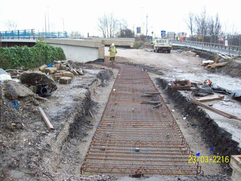 M621 approach wall being constructed to tie in to the bridge