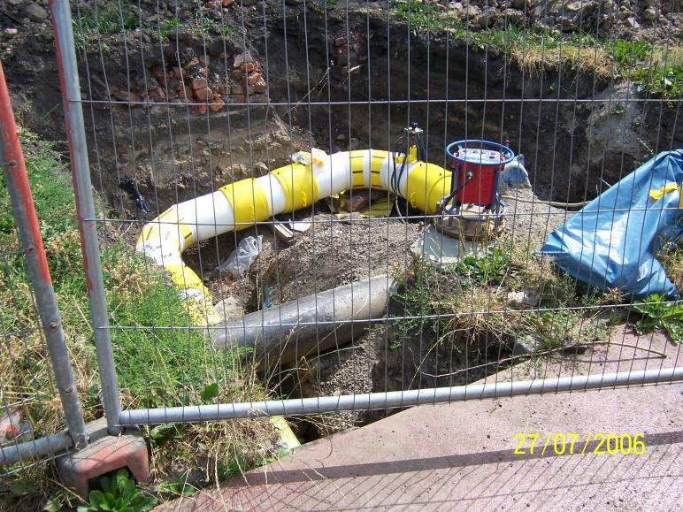 Gas main connection