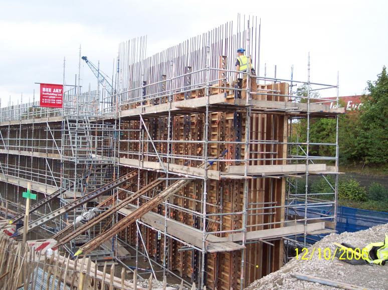 Formwork erected on the wingwall.