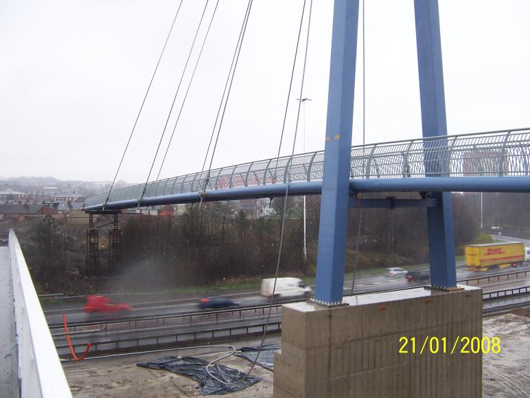 Bridge section sat on the Temporary works