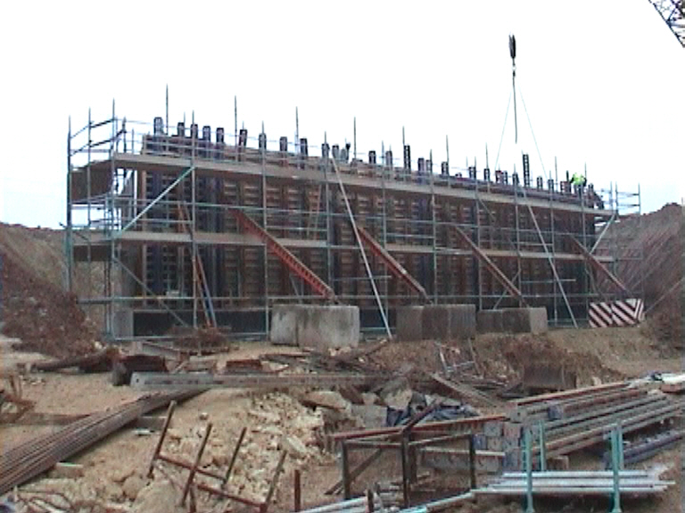 Formwork fixed to the East abutment